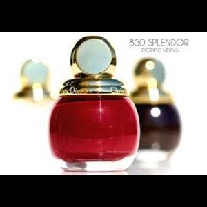 Dior Limited Edition Nail Diorific Vernis ❤️ Red
